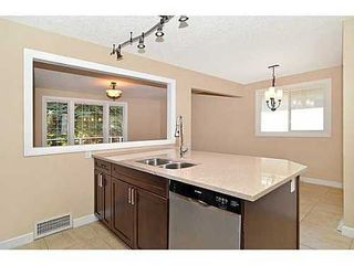 Photo 6: 70 CAMBRIAN Drive NW in Calgary: Bungalow for sale : MLS®# C3552954