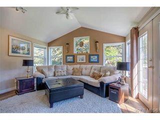 Photo 7: 1820 El Sereno Dr in VICTORIA: SE Gordon Head House for sale (Saanich East)  : MLS®# 698478