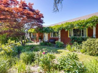 Photo 2: 2031 W 30TH Avenue in Vancouver: Quilchena House for sale (Vancouver West)  : MLS®# R2596902