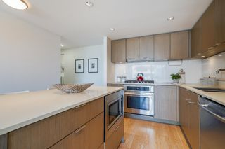 """Photo 7: 1510 111 E 1ST Avenue in Vancouver: Mount Pleasant VE Condo for sale in """"BLOCK 100"""" (Vancouver East)  : MLS®# R2601841"""