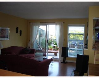 """Photo 3: 29 900 W 17TH Street in North_Vancouver: Hamilton Townhouse for sale in """"FOXWOOD HILLS"""" (North Vancouver)  : MLS®# V690097"""