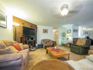 Photo 5: 2342 Orchard Ave in SIDNEY: Si Sidney South-East House for sale (Sidney)  : MLS®# 691444