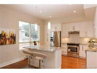 Photo 7: Fee Simple Townhome in Sidney By The Sea