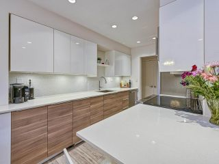 """Photo 3: 409 555 W 28TH Street in North Vancouver: Upper Lonsdale Condo for sale in """"Cedarbrooke Village"""" : MLS®# R2555453"""