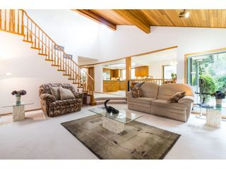 Photo 13: 5319 SOUTHRIDGE Place in Surrey: Panorama Ridge House for sale : MLS®# R2612903