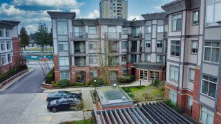 """Photo 2: 213 10455 UNIVERSITY Drive in Surrey: Whalley Condo for sale in """"D'Cor"""" (North Surrey)  : MLS®# R2443325"""