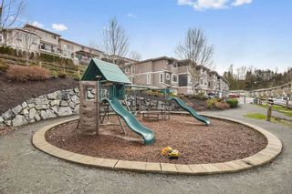 """Photo 18: 18 34230 ELMWOOD Drive in Abbotsford: Central Abbotsford Townhouse for sale in """"TEN OAKS"""" : MLS®# R2447846"""