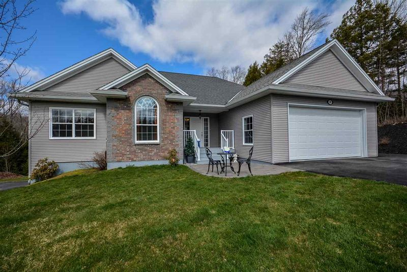 FEATURED LISTING: 89 Taylor Drive Windsor Junction