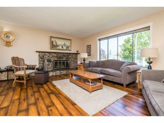 Photo 3: 45154 MOUNTVIEW Way in Chilliwack: Sardis West Vedder Rd House for sale (Sardis)  : MLS®# R2506420