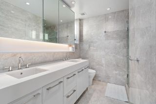 "Photo 12: 209 1055 RIDGEWOOD Drive in North Vancouver: Edgemont Townhouse for sale in ""CONNAUGHT"" : MLS®# R2552673"