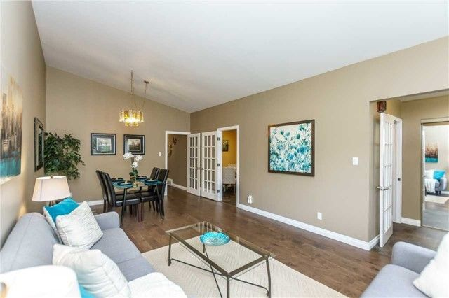 Photo 3: Photos: 140 Fenside Drive in Toronto: Parkwoods-Donalda House (Bungalow) for sale (Toronto C13)  : MLS®# C4189214