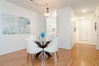 "Photo 6: 111 8976 208 Street in Langley: Walnut Grove Condo for sale in ""OAKRIDGE"" : MLS®# R2423848"