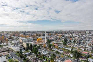 Photo 15: 2502 5515 BOUNDARY Road in Vancouver: Collingwood VE Condo for sale (Vancouver East)  : MLS®# R2589962