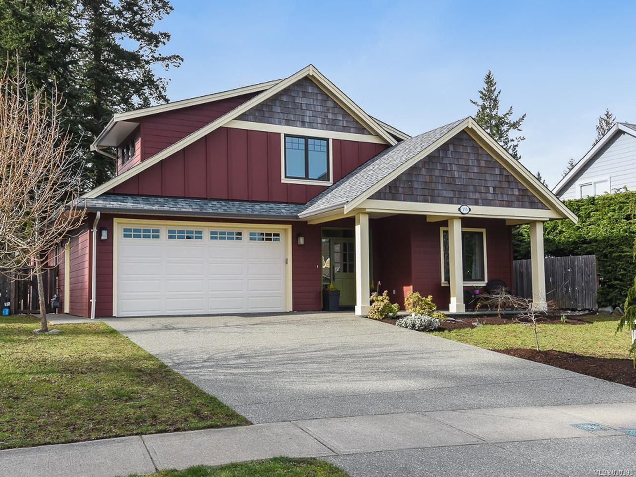 Main Photo: 355 Gardener Way in COMOX: CV Comox (Town of) House for sale (Comox Valley)  : MLS®# 838390