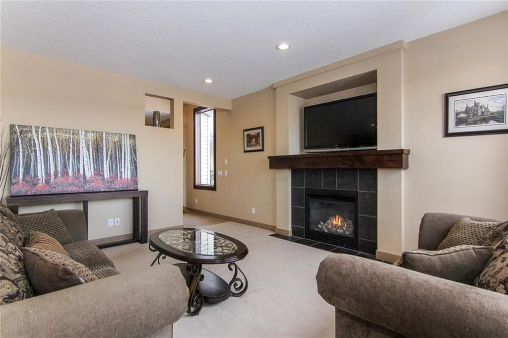 Photo 9: Photos: 21 CRANBERRY Cove SE in Calgary: Cranston House for sale : MLS®# C4164201