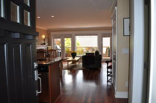 Photo 15: 223 E 17TH Street in North Vancouver: Central Lonsdale 1/2 Duplex for sale : MLS®# V891734