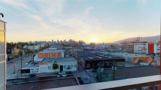 """Photo 2: 701 933 E HASTINGS Street in Vancouver: Strathcona Condo for sale in """"STRATHCONA VILLAGE-BALLANTYNE"""" (Vancouver East)  : MLS®# R2368592"""