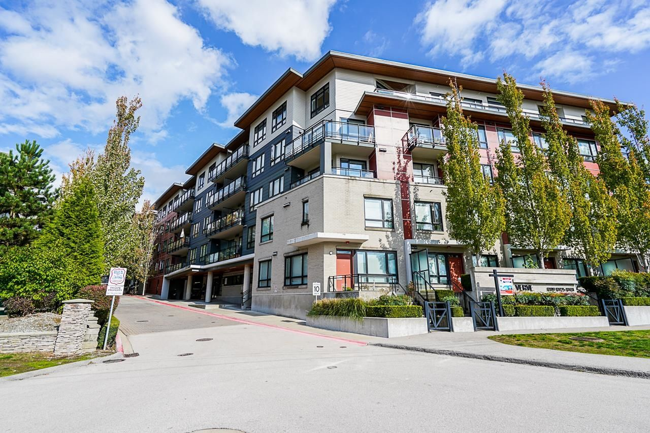 """Main Photo: 408 13925 FRASER Highway in Surrey: Whalley Condo for sale in """"The Verve"""" (North Surrey)  : MLS®# R2624795"""
