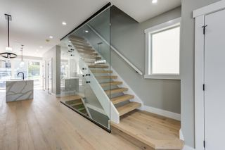 Photo 2: 8805 STRATHEARN Drive in Edmonton: Zone 18 House for sale : MLS®# E4246392