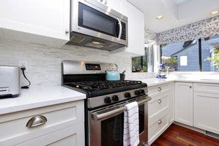 """Photo 15: 822 FREDERICK Road in North Vancouver: Lynn Valley Townhouse for sale in """"Lara Lynn"""" : MLS®# R2214486"""