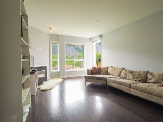 "Photo 7: 412 1212 MAIN Street in Squamish: Downtown SQ Condo for sale in ""Aqua"" : MLS®# R2465181"