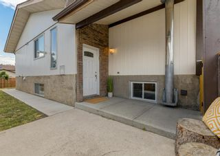 Photo 3: 3411 Doverthorn Road SE in Calgary: Dover Semi Detached for sale : MLS®# A1126939