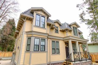 Photo 1: 102 658 HARRISON Avenue in Coquitlam: Coquitlam West Townhouse for sale : MLS®# R2354316