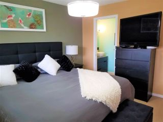 "Photo 18: 10640 ROSEBROOK Road in Richmond: South Arm 1/2 Duplex for sale in ""Montrose Estates"" : MLS®# R2566819"