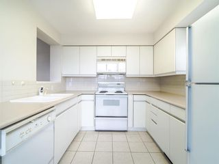 Photo 2: 502 3055 Cambie Street in Vancouver: Fairview VW Condo for sale (Vancouver West)  : MLS®# R2406500