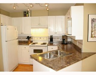 Photo 4: 206 1035 AUCKLAND Street in New_Westminster: Uptown NW Condo for sale (New Westminster)  : MLS®# V713521
