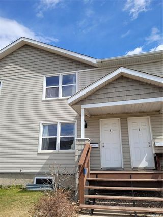 Photo 1: 3 209 Camponi Place in Saskatoon: Fairhaven Residential for sale : MLS®# SK854040
