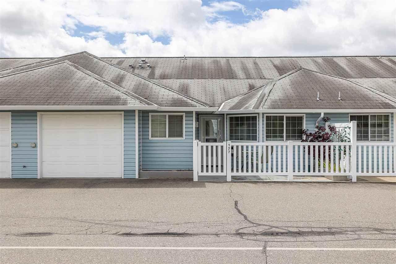 "Main Photo: 127 1450 MCCALLUM Road in Abbotsford: Poplar Townhouse for sale in ""Crown Point Villas"" : MLS®# R2577263"