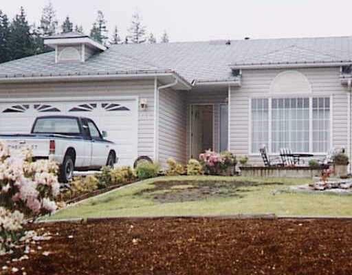 "Main Photo: 4982 LAUREL Avenue in Sechelt: Sechelt District House for sale in ""DAVIS BAY"" (Sunshine Coast)  : MLS®# V670935"