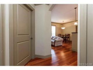 Photo 4: 207 1642 McKenzie Ave in VICTORIA: SE Lambrick Park Condo for sale (Saanich East)  : MLS®# 695484