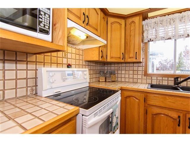 Photo 14: Photos: 139 MCKERRELL Way SE in Calgary: McKenzie Lake House for sale : MLS®# C4102134