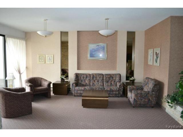 Photo 8: Photos: 1600 Taylor Avenue in WINNIPEG: River Heights Condominium for sale (South Winnipeg)  : MLS®# 1400580