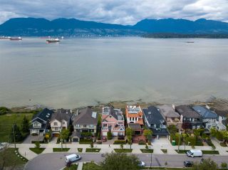 "Photo 40: 3175 POINT GREY Road in Vancouver: Kitsilano 1/2 Duplex for sale in ""THE GOLDEN MILE - POINT GREY ROAD"" (Vancouver West)  : MLS®# R2458598"