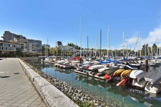 """Photo 19: 242 658 LEG IN BOOT Square in Vancouver: False Creek Condo for sale in """"HEATHER BAY QUAY"""" (Vancouver West)  : MLS®# R2404905"""