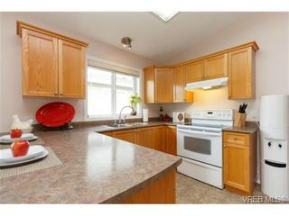 Photo 9: 41 7570 Tetayut Rd in SAANICHTON: CS Hawthorne Manufactured Home for sale (Central Saanich)  : MLS®# 707595