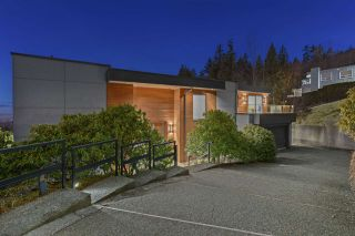 Photo 2: 1474 BRAMWELL Road in West Vancouver: Chartwell House for sale : MLS®# R2603893
