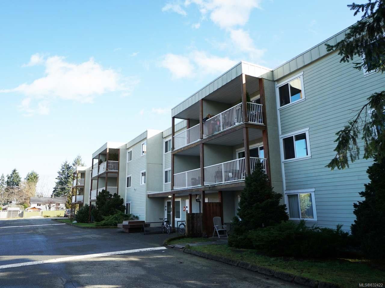 Main Photo: 304 1130 Willemar Ave in COURTENAY: CV Courtenay City Condo for sale (Comox Valley)  : MLS®# 832422