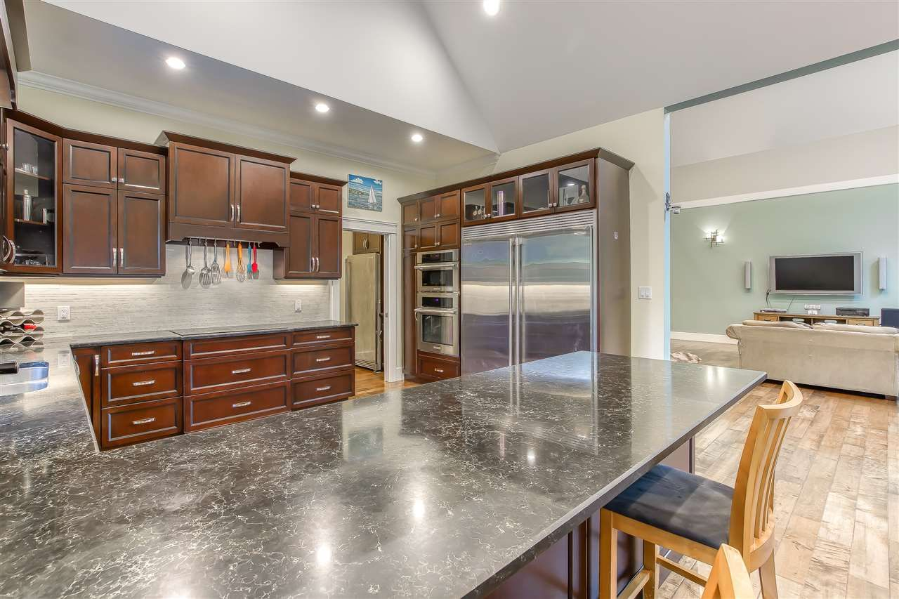 """Photo 18: Photos: 2732 NORTHCREST Drive in Surrey: Sunnyside Park Surrey House for sale in """"Woodshire Park"""" (South Surrey White Rock)  : MLS®# R2543125"""