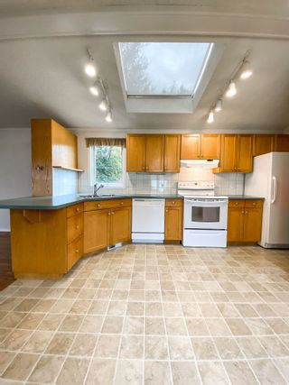 Photo 6: 106 2500 GRANT Road in Prince George: Hart Highway Manufactured Home for sale (PG City North (Zone 73))  : MLS®# R2622359