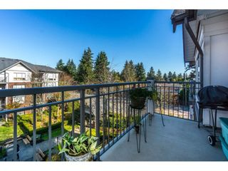 "Photo 2: 401 2167 152 Street in Surrey: Sunnyside Park Surrey Condo for sale in ""Muirfield Gardens"" (South Surrey White Rock)  : MLS®# R2217590"