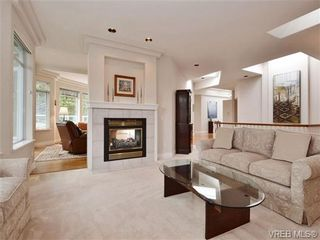 Photo 10: 5 5187 Cordova Bay Rd in VICTORIA: SE Cordova Bay Row/Townhouse for sale (Saanich East)  : MLS®# 703610