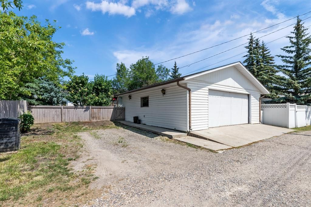 Photo 30: Photos: 1033 Smith Avenue: Crossfield Detached for sale : MLS®# A1129311