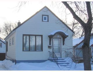 Photo 9: 758 ALFRED Avenue in WINNIPEG: North End Residential for sale (North West Winnipeg)  : MLS®# 2801604