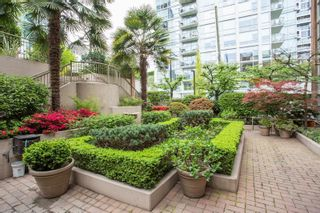 """Photo 2: 402 1488 HORNBY Street in Vancouver: Yaletown Condo for sale in """"The TERRACES at Pacific Promenade"""" (Vancouver West)  : MLS®# R2614279"""