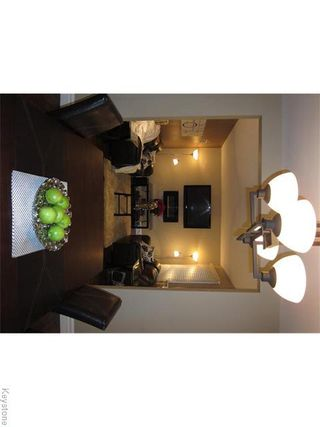Photo 3: 377 Mandeville Street in WINNIPEG: St James Residential for sale (West Winnipeg)  : MLS®# 1530269