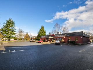 Photo 3: 250 E Island Hwy in PARKSVILLE: PQ Parksville Mixed Use for sale (Parksville/Qualicum)  : MLS®# 722524